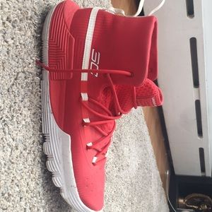 Red Curry's Men's size 11